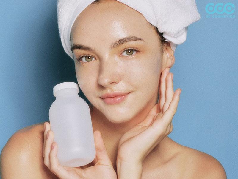 toner hỗ trợ chỉnh sửa các khuyết điểm trên da