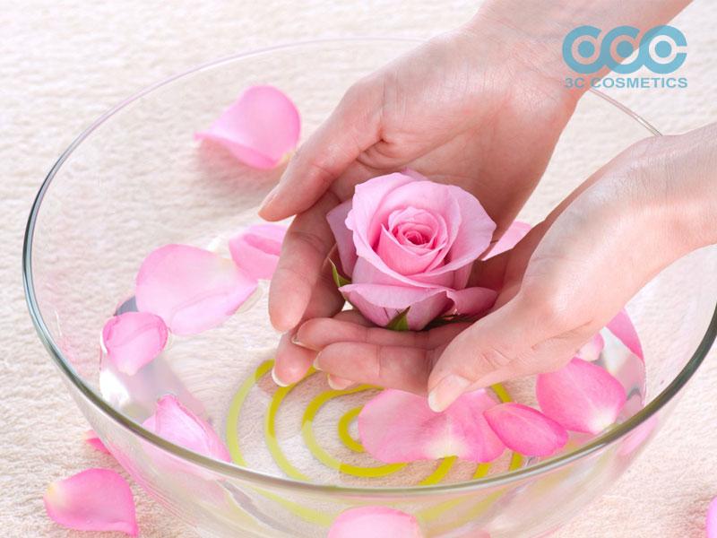 cách làm nước hoa từ hoa hồng