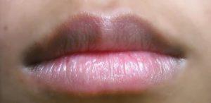 Son dưỡng môi đơn giản cho đôi môi thâm