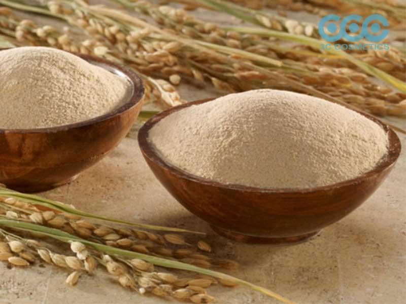Cách trị mụn ẩn dưới da với bột cám gạo