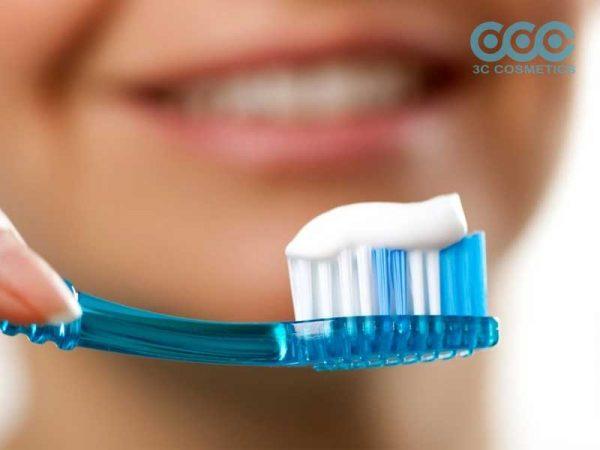 thông tin về việc sử dụng cream đánh răng