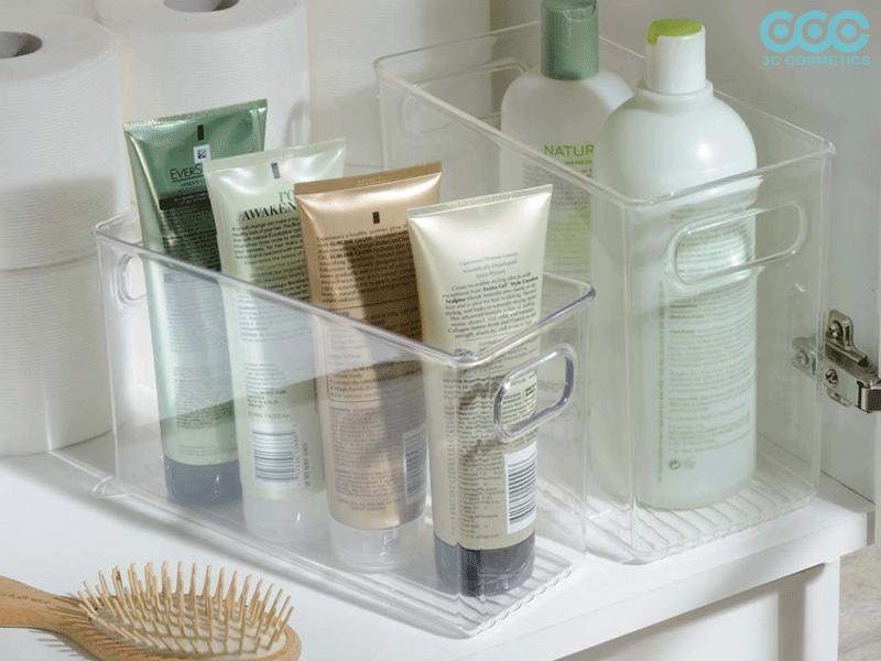 Không để mỹ phẩm trong phòng tắm, nơi ẩm thấp