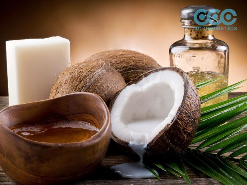 ủ tóc bằng dầu dừa đúng cách
