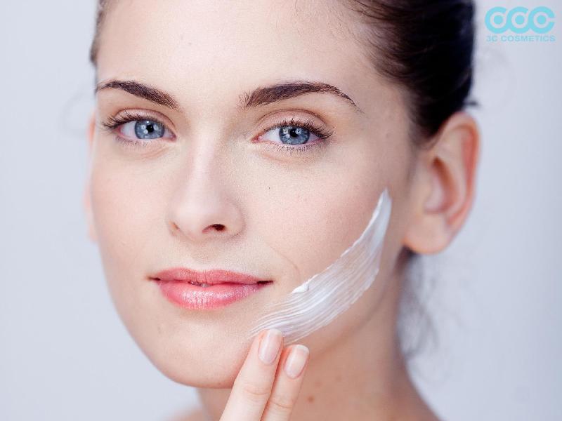 Hướng dẫn cách chăm sóc da bị đẩy mụn và bùng phát mụn