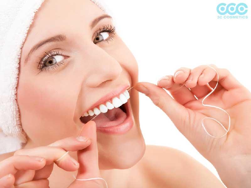 Nụ cười vạn người mê với hàm răng trắng sáng nhờ baking soda