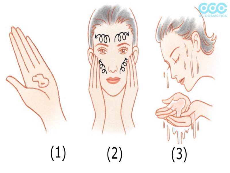 Sử dụng sữa rửa mặt dịu nhẹ tưới mát làn da khô