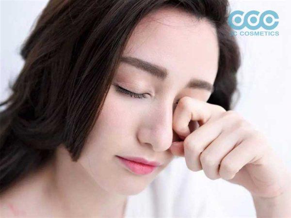 ưu điểm khi lựa chọn gia công essence trị thâm quầng mắt