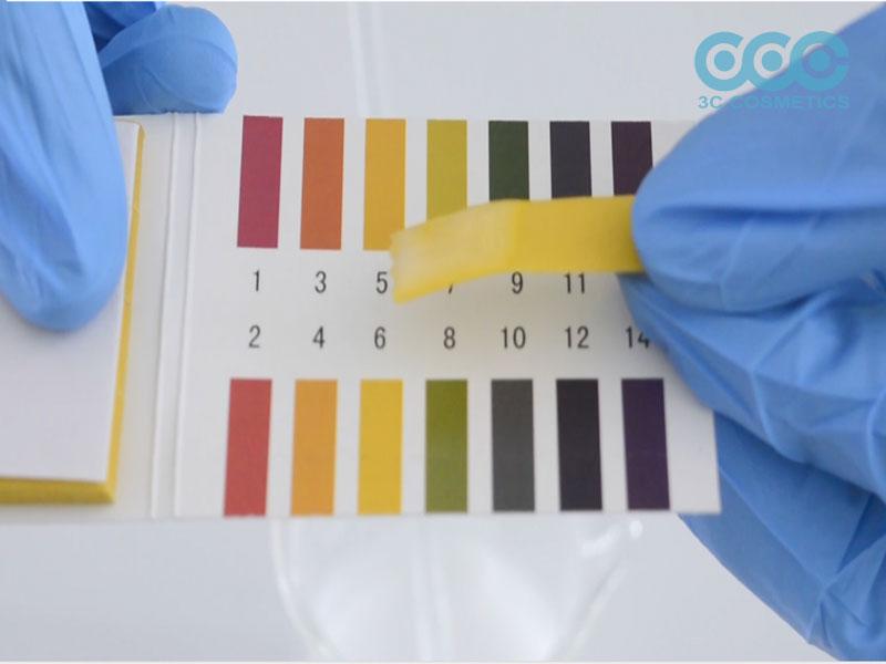 Kiểm tra pH, điều chỉnh pH bằng dung dịch Acid citric 50%