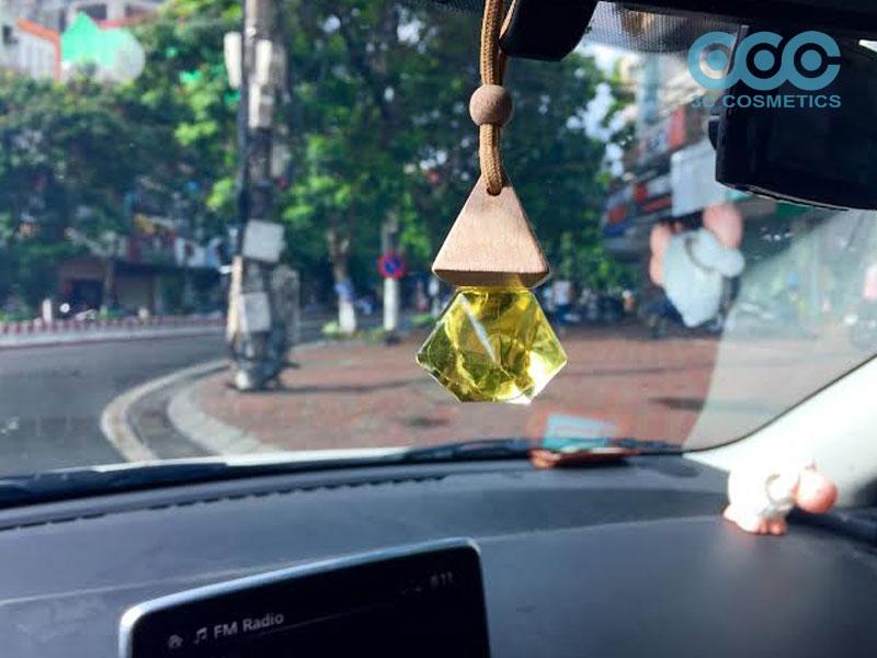 Bí quyết chọn tinh dầu khử mùi cho xe ô tô