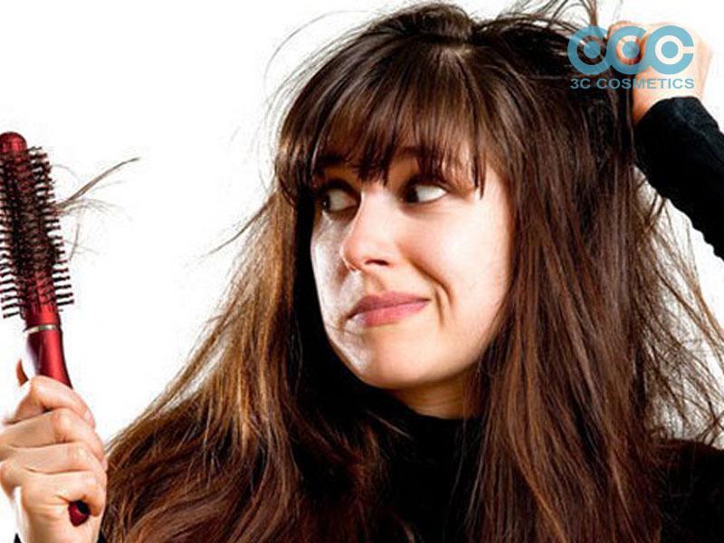 Ngăn bệnh rụng tóc cho chị em