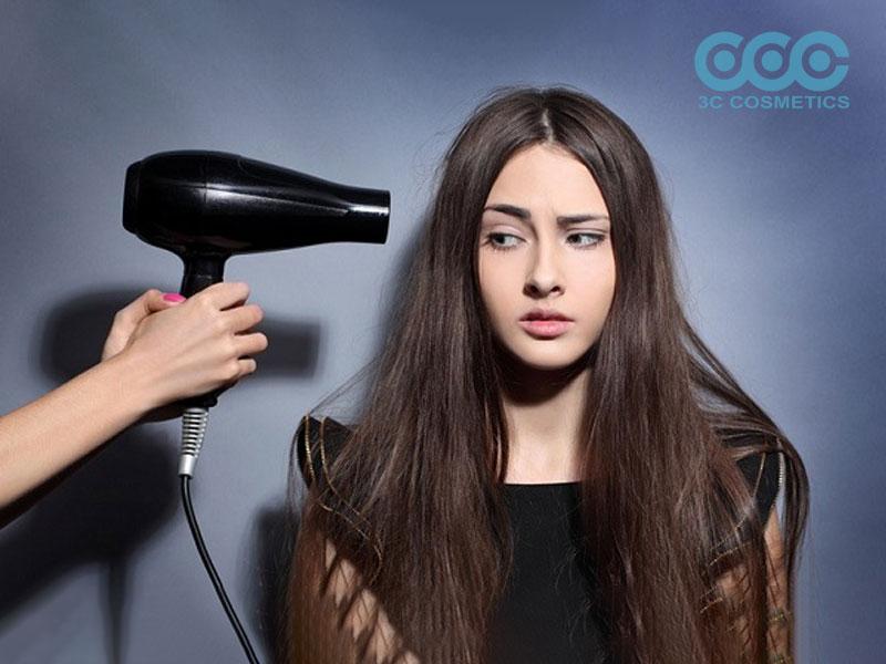 Không sử dụng quá nhiều sản phẩm tạo kiểu tóc