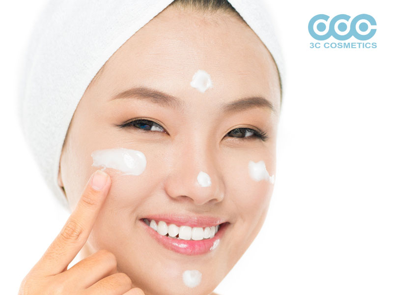 sữa rửa mặt dạng kem giúp chăm sóc da