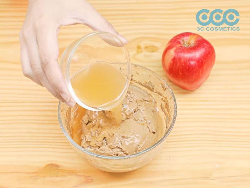 thêm ½ chén giấm táo