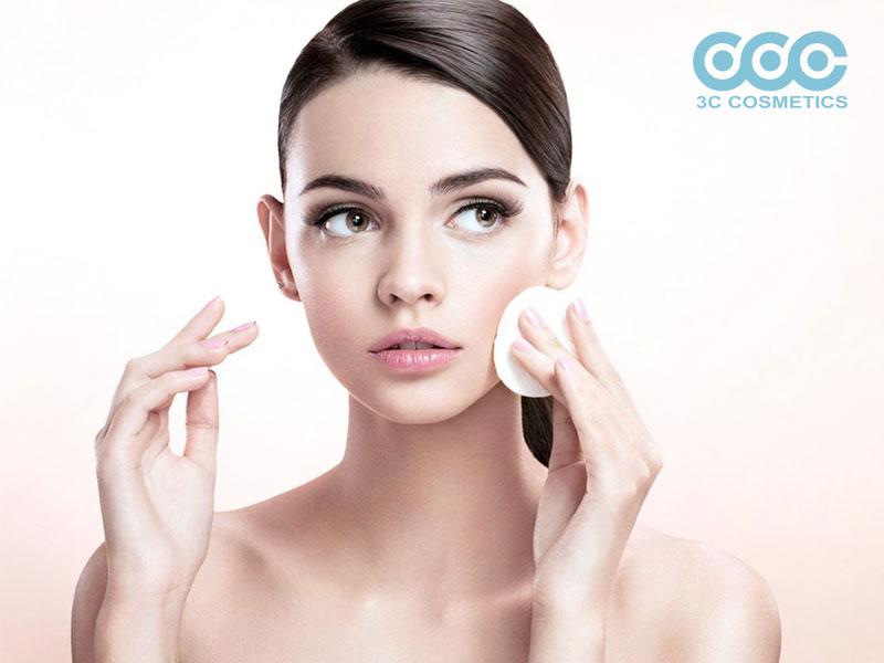 Làm sạch da mặt vào ban đêm