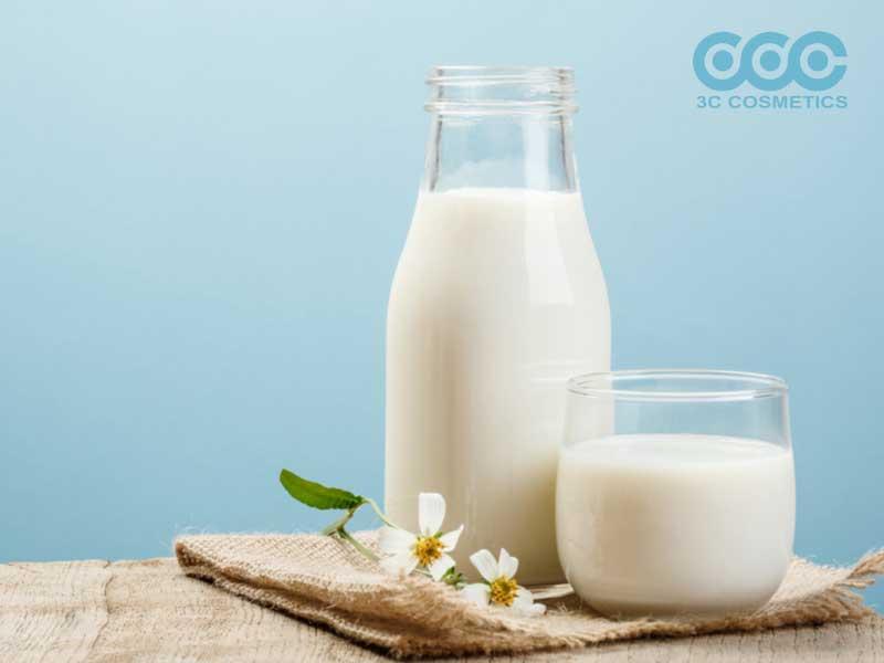 Làm trắng da bật tông với sữa tươi