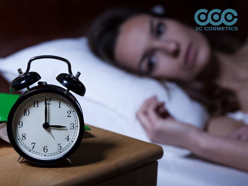 Thường xuyên thức khuya, thiếu ngủ