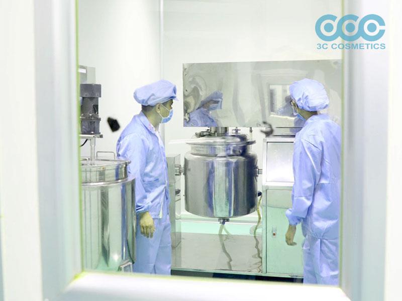 Nhà máy sản xuất mỹ phẩm hiện đại đạt chuẩn chất lượng