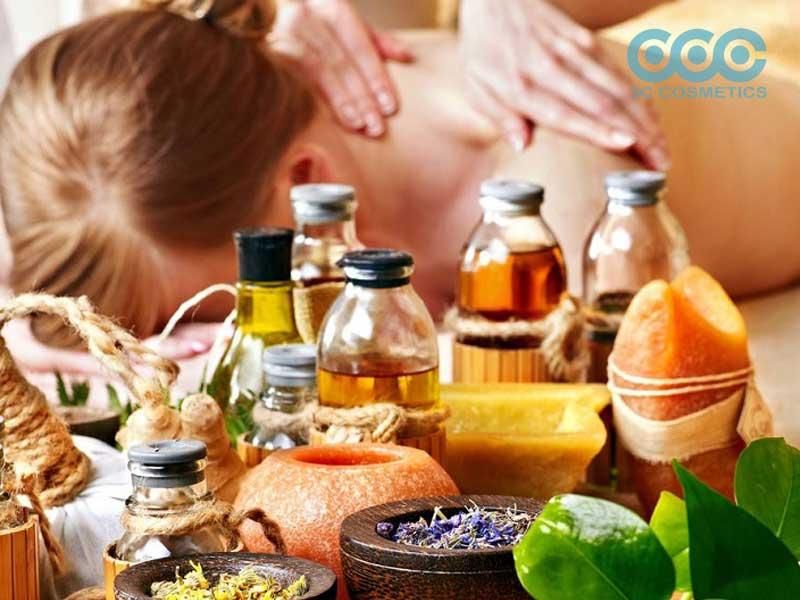 Dùng tinh dầu để Massage