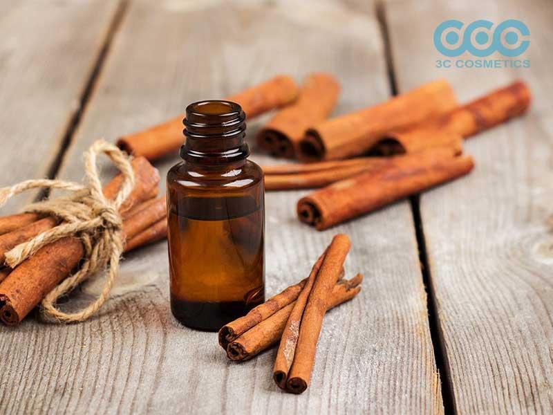 Tinh dầu quế (Cinnamon Oil)