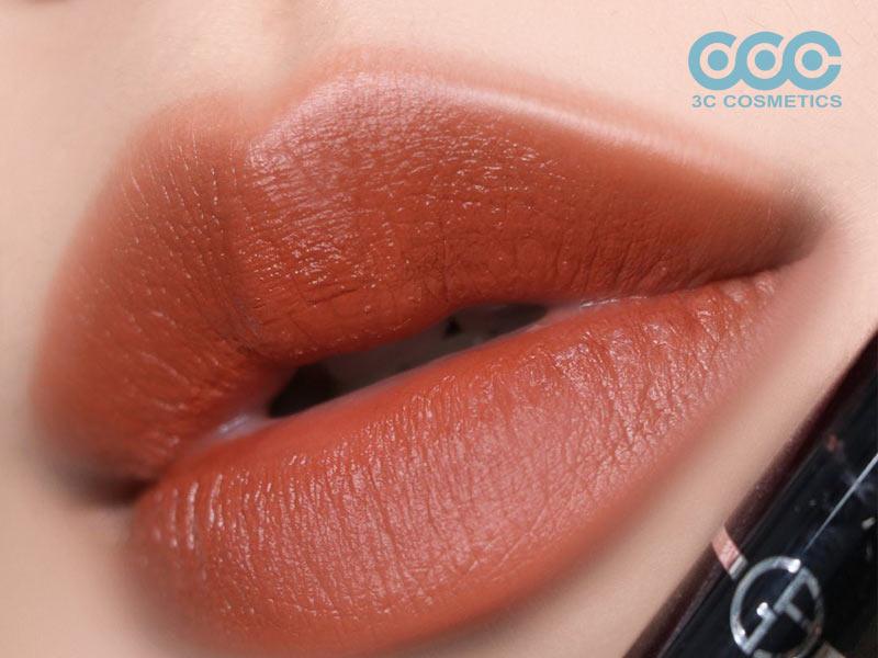 Son môi màu caramel rất hot hiện nay