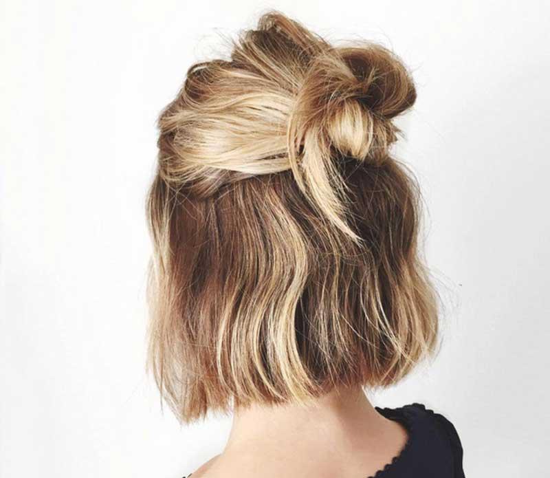 Kiểu tóc dự tiệc đơn giản dễ làm với buộc nữa đầu