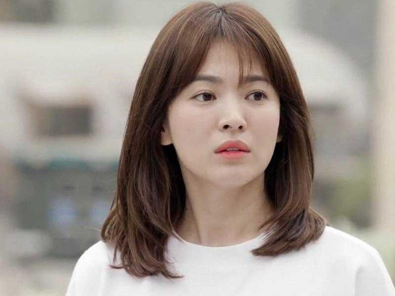 mái tóc huyền thoại của Song Hye Kyo trong phim Hậu Duệ Mặt Trời