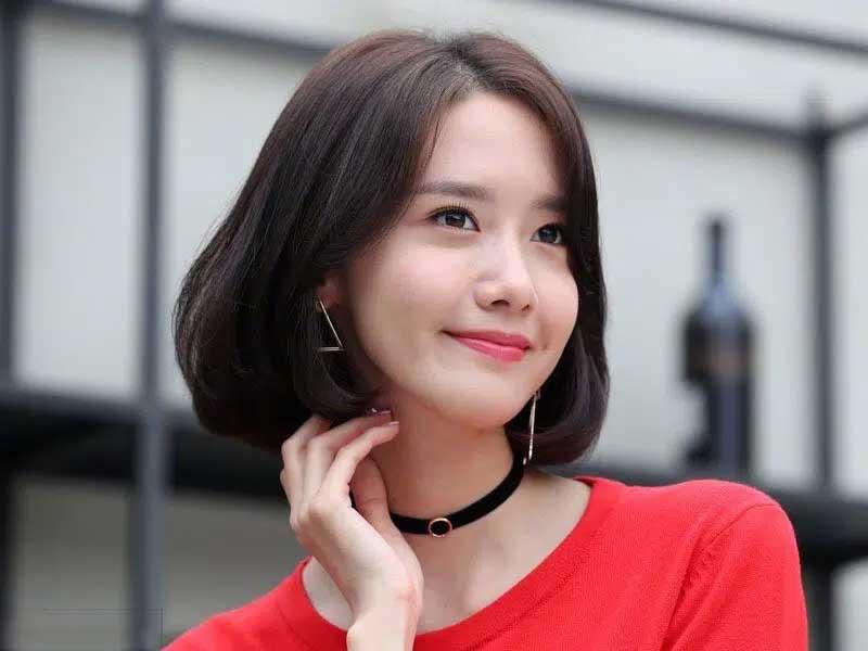 Yoona tự tin khoe dien mai toc uon